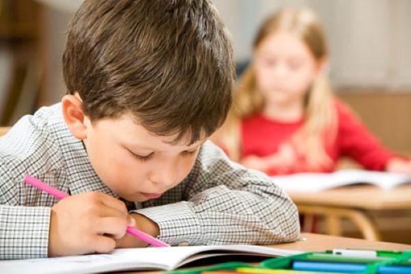 Resultado de imagen de niños estudiando
